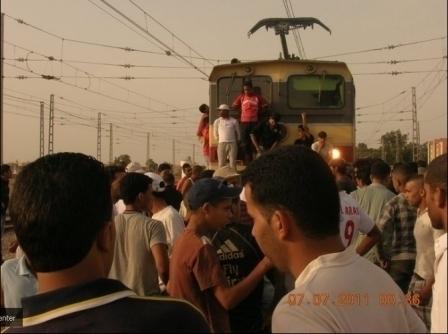 """الشباب في اعتصام بالسكة الحديدة ـ ت """"كود"""""""