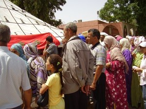 6900 مستفيد من عملية توزيع المواد الغذائية بمناسبة شهر رمضان بعمالة مراكش