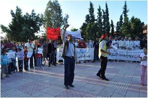 """مسيرة لحركة 20 فبراير بابن جرير تحث شعار"""" نموت ولا المذلة """""""