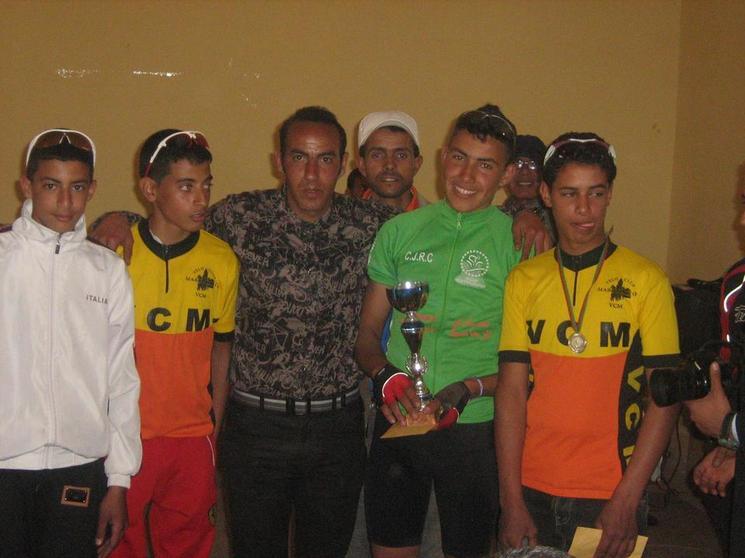 نادي شباب الرحامنة للدراجات يعوض إخفاقه في سباق قلعة السراغنة بسباق مدينة العطاوية