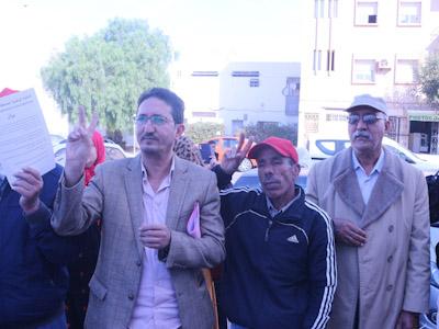 أكادير تقف أمام المحكمة الابتدائية تضامنا مع الاعلامي محمد الغازي