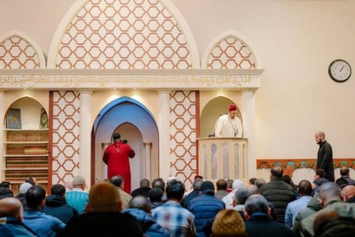 مجلس المساجد المغربية في هولندا يقرر رفع الآذان في 40 مسجداً !