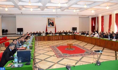 خريبكة: المجلس الإقليمي يصادق على عدد من مشاريع الاتفاقيات لتعزيز البنية الطرقية والرياضية