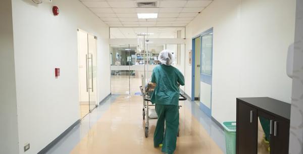 أطباء من خارج المغرب ومصحات خاصة أجنبية سيشرعون في العمل قريبا بمختلف مدن المملكة