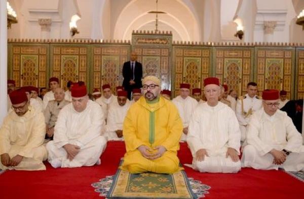 """عاجل...الملك """"محمد السادس"""" يأمر بإعادة فتح جميع المساجد المغلقة بالمملكة"""