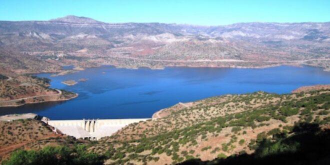 """تعرف على أكبر  طريق سيار""""اوتوروت"""" من الماء بإقليم الرحامنة ."""