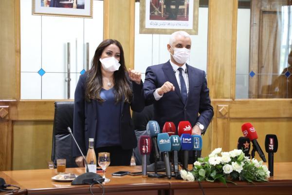 """الملك يعفي وزيرة الصحة الجديدة من منصبها ويعين """"أيت الطالب"""" مكانها"""