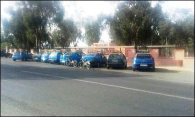 في غياب تجهيز سيارات الأجرة الصغيرة  بالعددات  سائقون  يفرضون تسعيرة مزاجية بابن جرير.