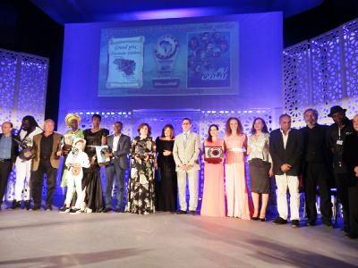 """فيلم """"يوم للستات"""" يتوج بجائزة المسابقة الكبرى في السينما الأفريقية بخريبكة"""