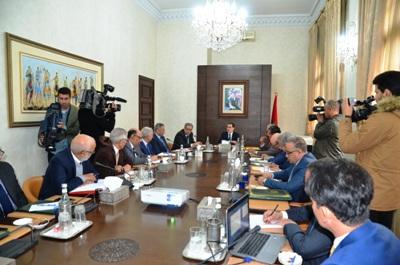 رئيس الحكومة يترأس الاجتماع الثاني للمراكز الجهوية للاستثمار