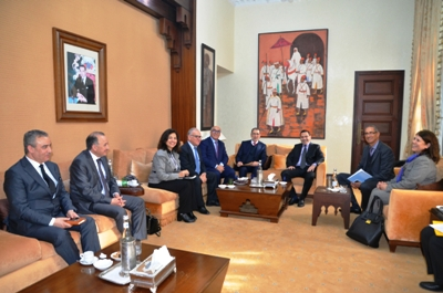 رئيس الحكومة يستقبل رؤساء فرق برلمانية