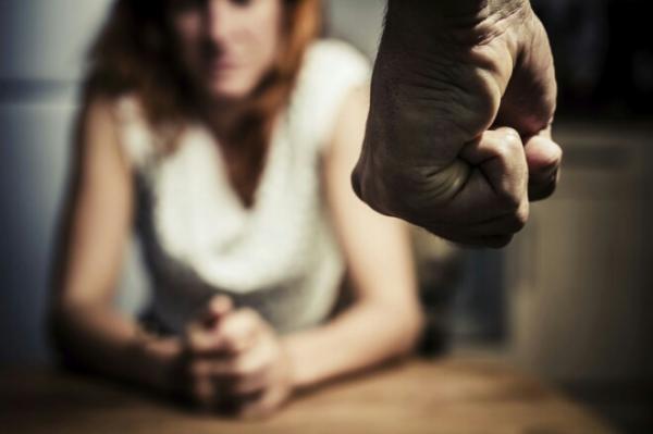 إطلاق خدمة هاتفية لفائدة نساء المغرب بعد تزايد ظاهرة العنف المنزلي خلال الحجر الصحي
