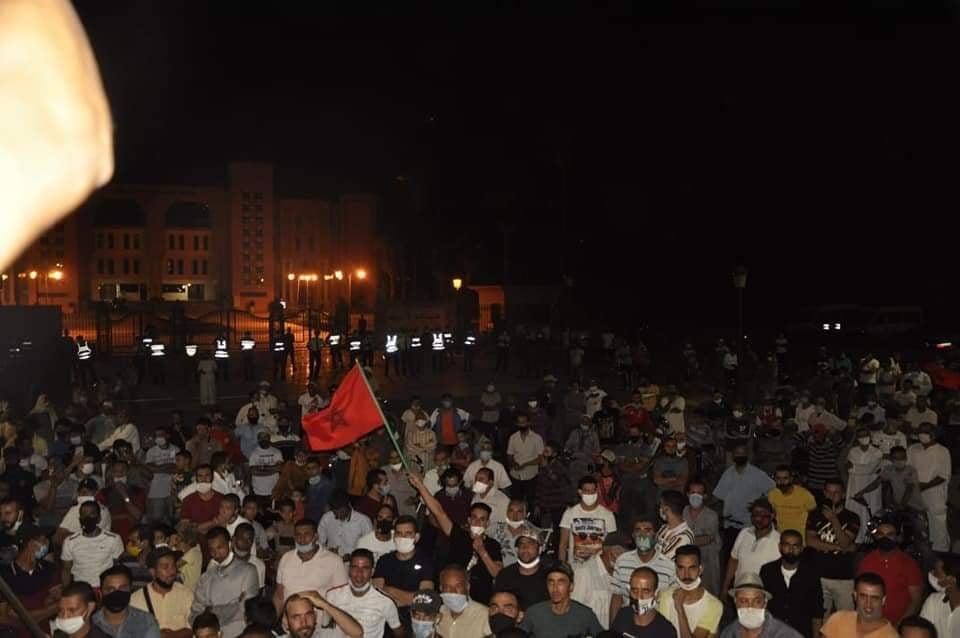 الاحتجاجات تتواصل بقلعة السراغنة.. وحقوقيون يدعون لنزع فتيل الاحتقان وينشرون غسيل الأوجاع
