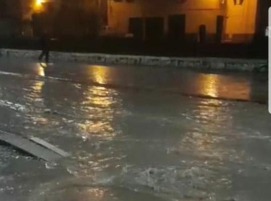 ضعف البنية التحتية بابن جرير ....الأمطار تغرق أحياء وشوارع بكاملها