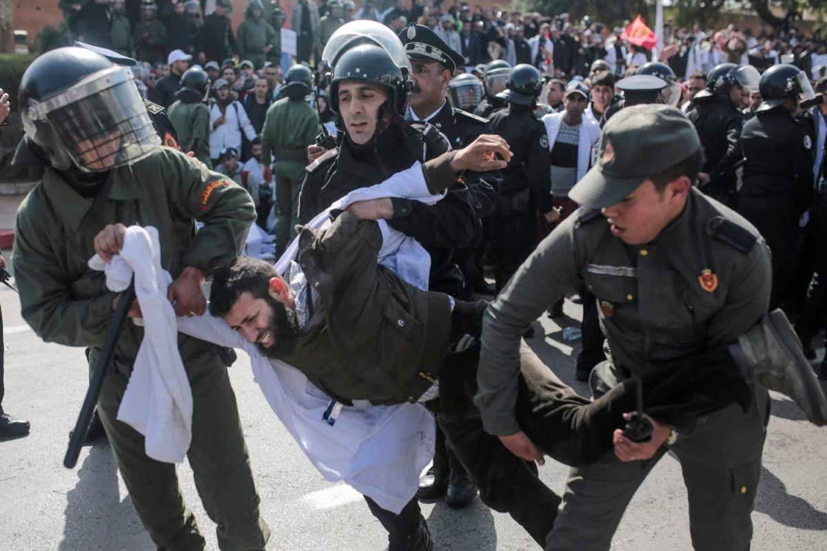 الجمعية المغربية لحقوق الانسان تدين القمع الذي تعرض له الأساتذة والاستاذات المفروض عليهم التعاقد