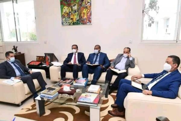"""وزير التربية الوطنية يجتمع مع المركزيات النقابية """"بلاغ"""""""