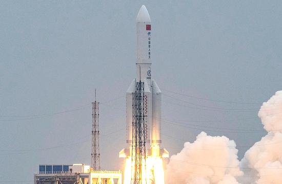 الصين تعلن تفكك الصاروخ الفضائي التائه