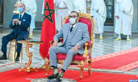 صاحب الجلالة الملك محمد السادس يترأس بفاس حفل إطلاق وتوقيع اتفاقيات تصنيع وتعبئة اللقاح المضاد لكوفيد-19 ولقاحات أخرى بالمغرب