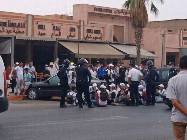 مسيرة احتجاجية للمعطلين الحاملين للشهادات بابن جرير